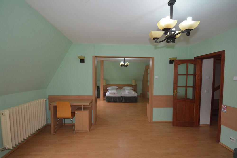 Camere Pensiunea Carmelita